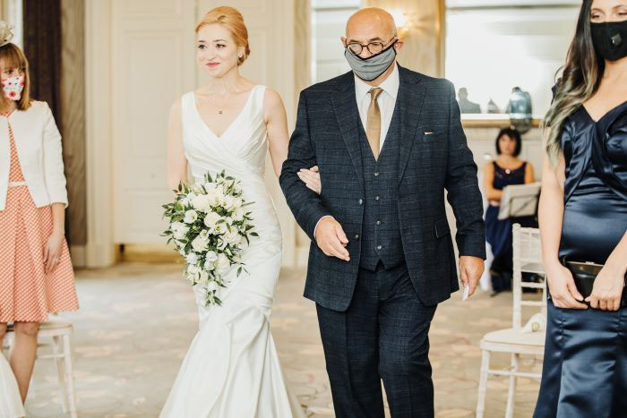 small-and-personal-wedding-in-berkshire-7