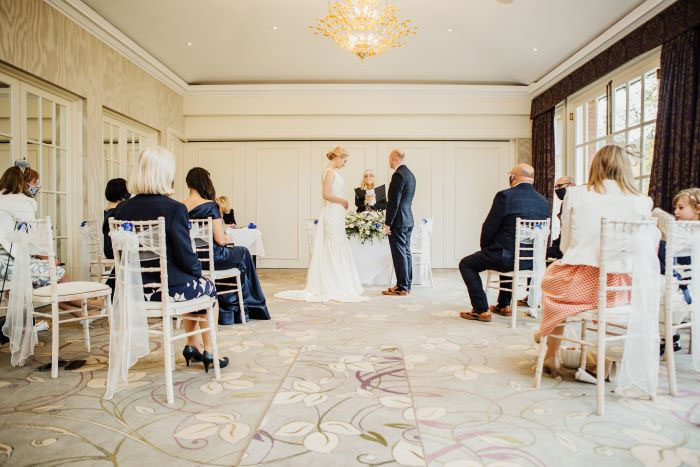 small-and-personal-wedding-in-berkshire-25