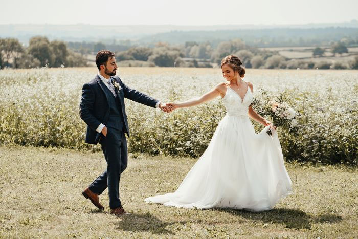 romantic-and-rustic-shoot-in-the-cotswolds-20
