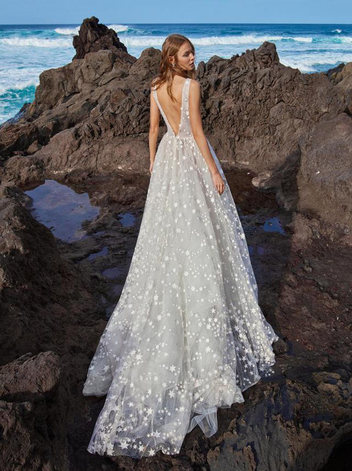 16-star-wedding-dresses-8