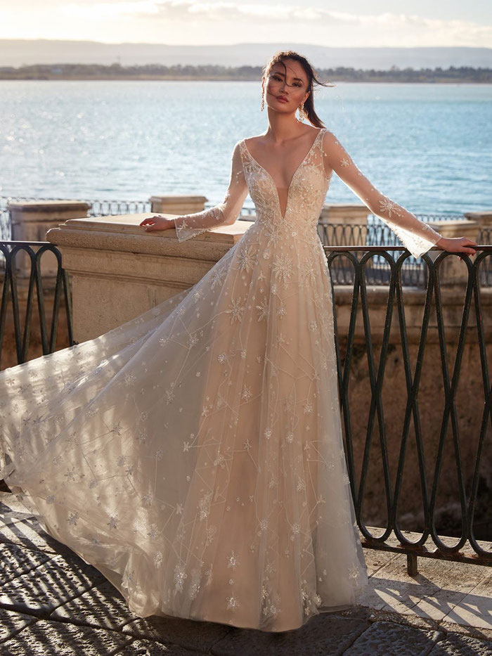 16-star-wedding-dresses-14