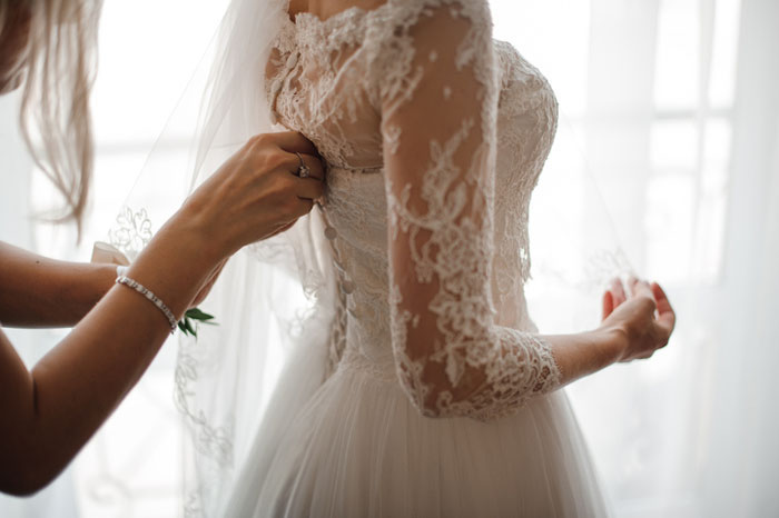 a-sustainable-and-budget-friendly-way-to-shop-for-your-wedding-dress-2