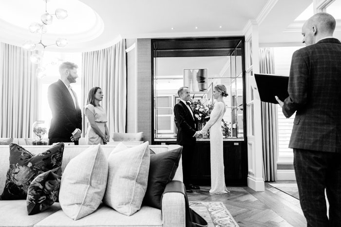a-micro-wedding-in-london-for-just-the-bride-and-groom-20