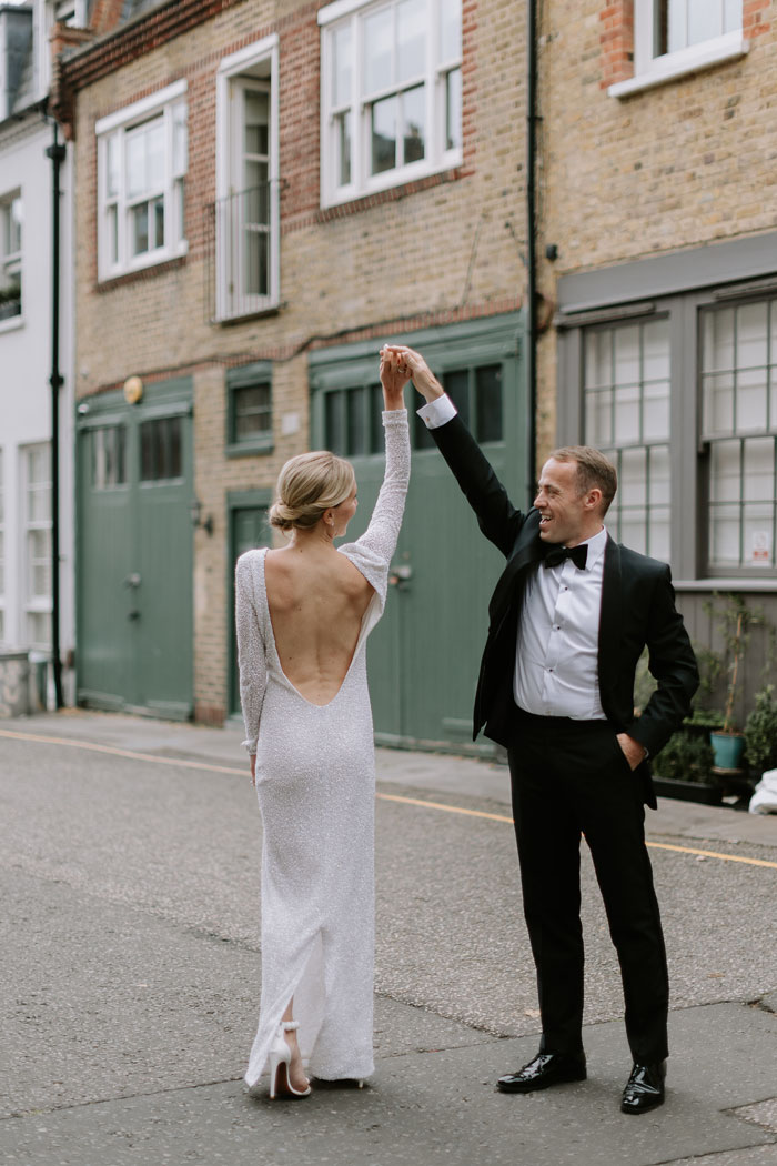 a-micro-wedding-in-london-for-just-the-bride-and-groom-29