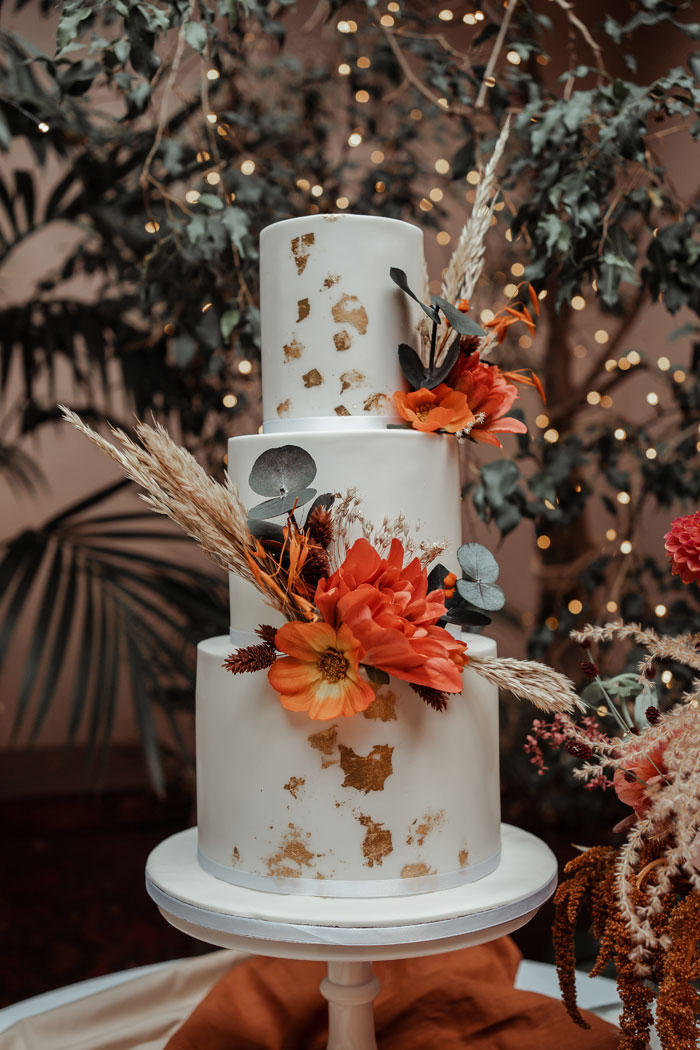 a-flower-filled-wedding-in-the-cotswolds-6