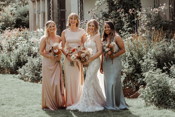 a-flower-filled-wedding-in-the-cotswolds-9