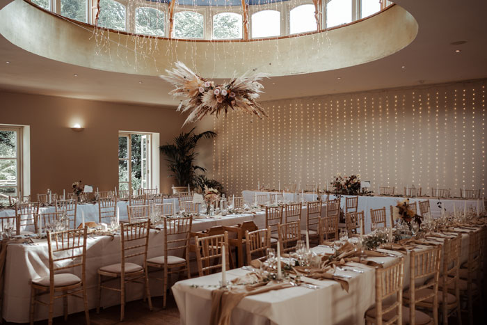 a-flower-filled-wedding-in-the-cotswolds-17